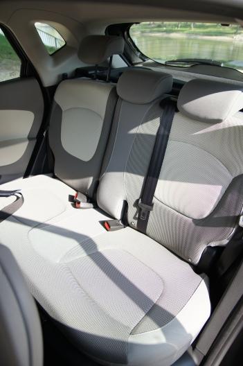 Kompakt autós hátsó tér